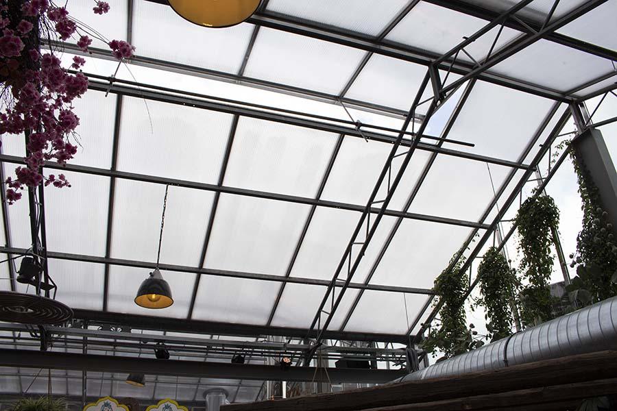 Foodhall Arnhem dak open | Vink Kunststoffen